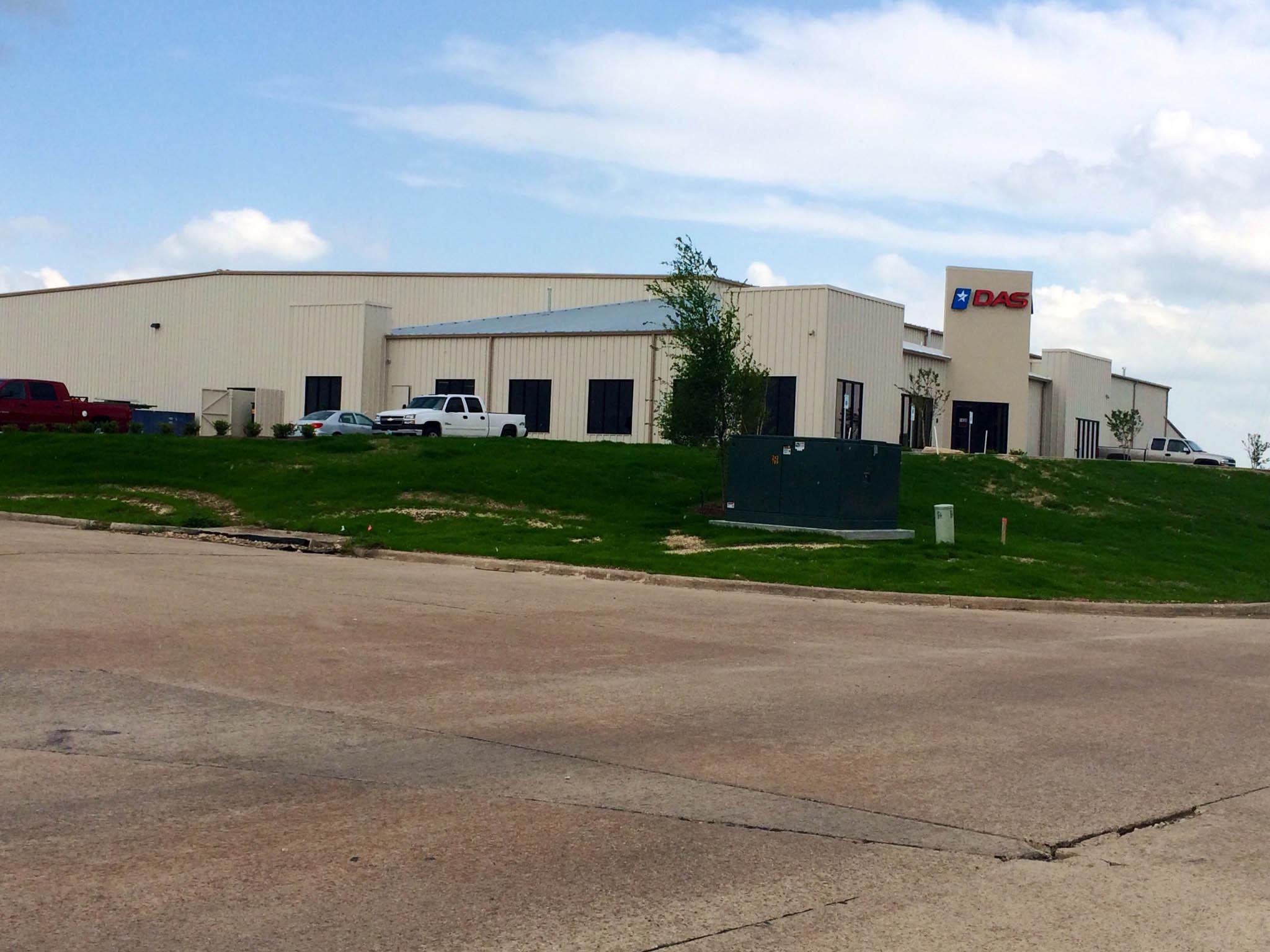 Dallas Aeronautics Industrial Construction Exterior long view