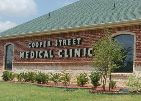Cooper Street Medical Clinic Construction Exerior Signage